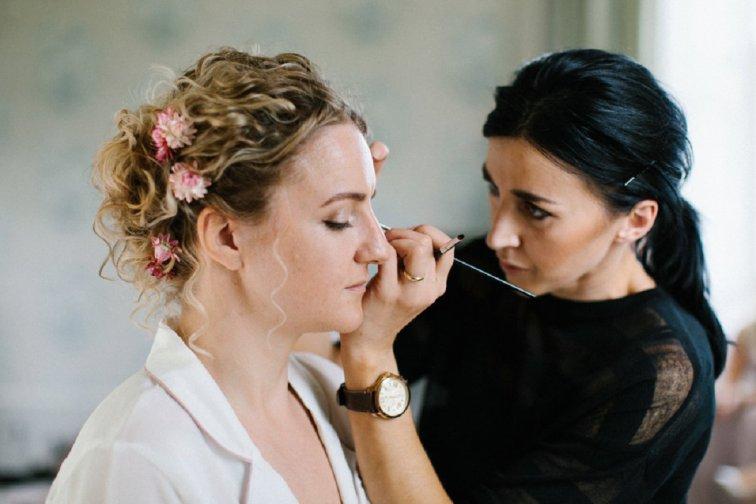 A Stylish Wedding at Lartington Hall (c) Melissa Beattie (15)