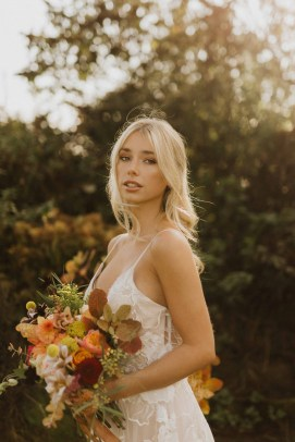 A Glowing Styled Bridal Shoot at Skipbridge Country Weddings (c) Freya Raby Photography & Kayleigh Ann Photography (1)