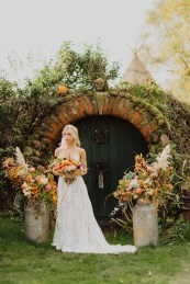 A Glowing Styled Bridal Shoot at Skipbridge Country Weddings (c) Freya Raby Photography & Kayleigh Ann Photography (15)