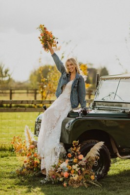 A Glowing Styled Bridal Shoot at Skipbridge Country Weddings (c) Freya Raby Photography & Kayleigh Ann Photography (19)