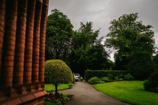 A Pretty Party Wedding in Cheshire (c) Lee Brown Photography (21)