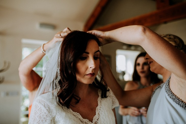 Stelfox Bride for a Vintage Wedding in Yorkshire (c) Peter Hugo Photography (21)