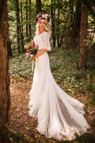 A Styled Woodland Wedding Shoot at Hazlewood Castle (c) Anna Beth Photography (26)