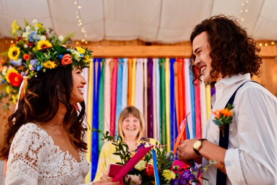 A Colourful Festival Wedding Shoot at The Wellbeing Farm (c) Jules Fortune Photography (11)