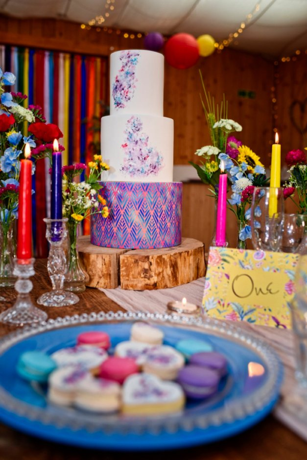 A Colourful Festival Wedding Shoot at The Wellbeing Farm (c) Jules Fortune Photography (2)