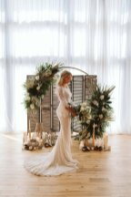 A Safari Inspired Wedding Shoot at Bunny Hill (c) Kayleigh Ann Photography (18)
