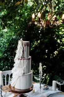 Waterside boho wedding shoot at Damflask Reservoir (c) Fox Moon Photography (39)