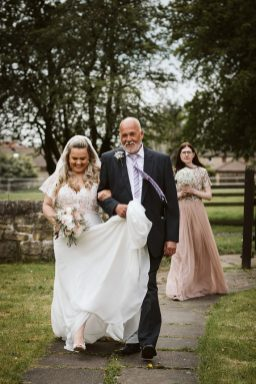 A Rustic Wedding In Loversall (c) Hannah Brooke Photography (22)