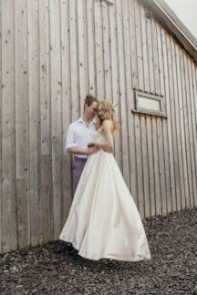 An Elopement Inspiration Shoot at Owen House Barn (c) Kellianne Newniss (34)