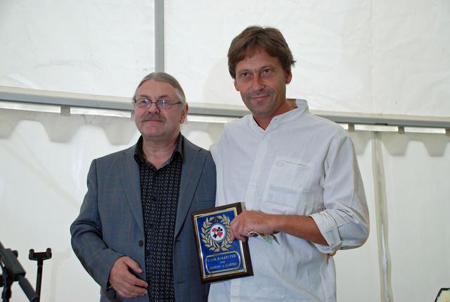 2006_ranik_halles_pris_2006_jon_sveindal_utdeler_snorre_aalberg