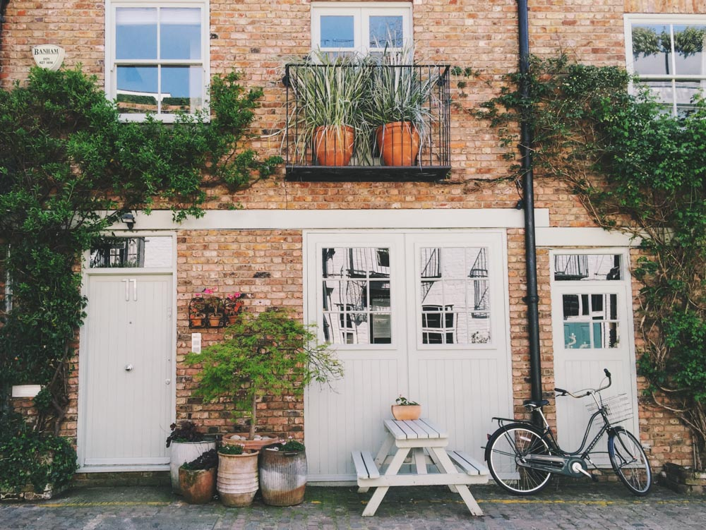 London pretty houses Instagram locations