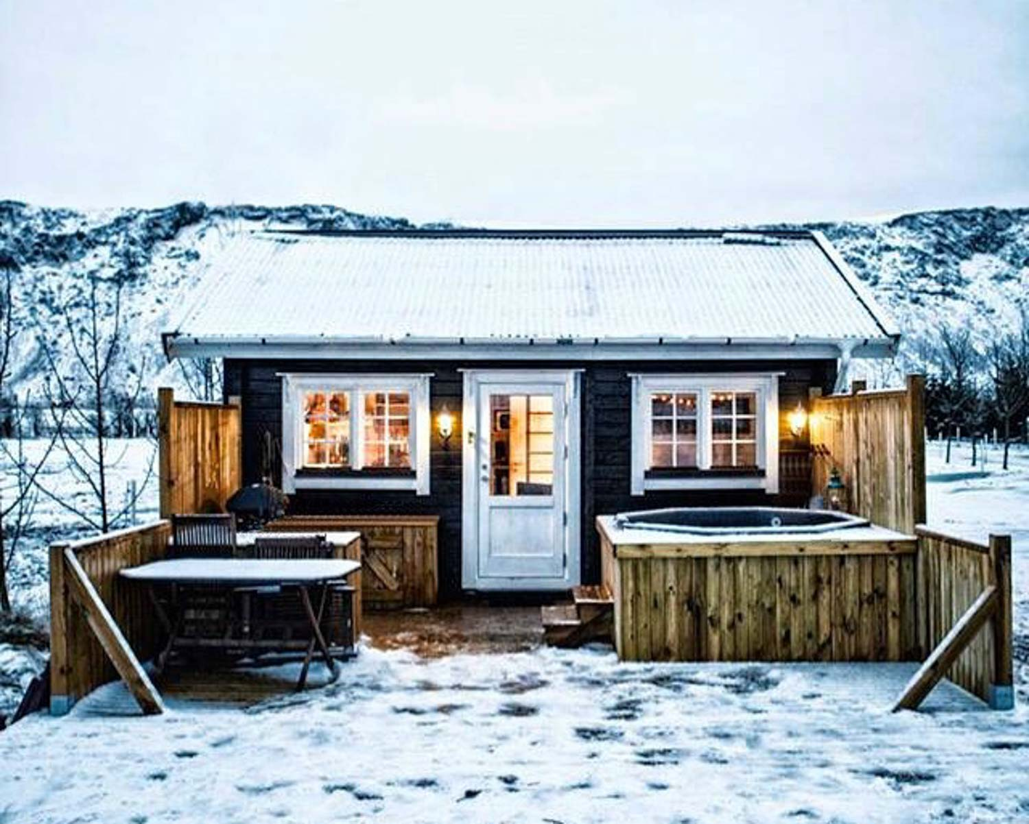 5-day Iceland itinerary - AirBnB cabin in Olfus
