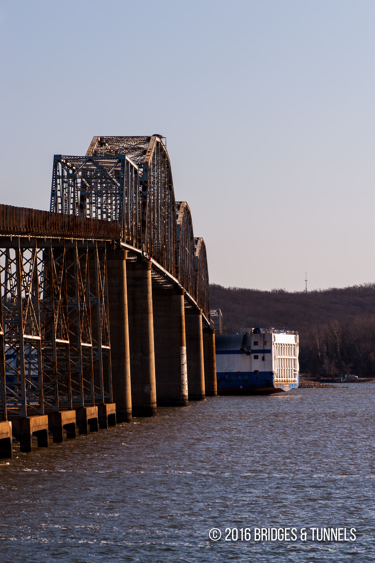 Eggner's Ferry Bridge (US 68, KY 80)