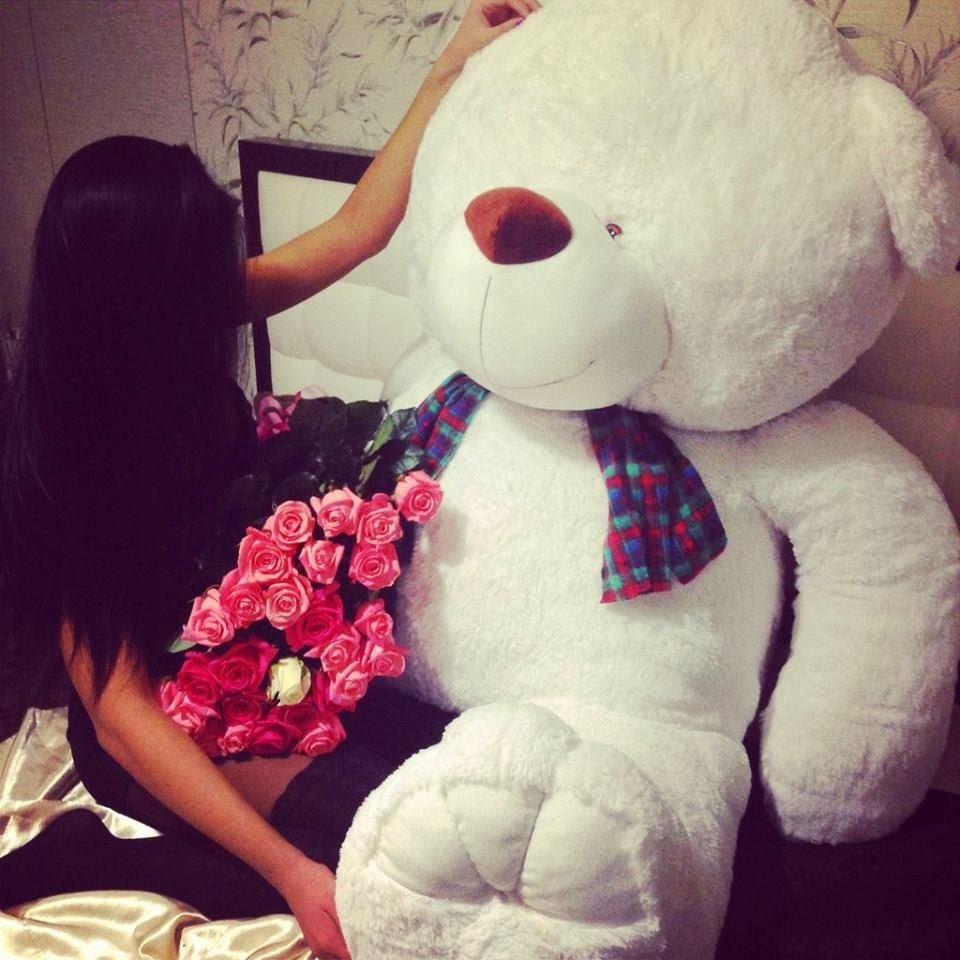 Big Teddy Bear The Perfect Romantic Gift Idea For