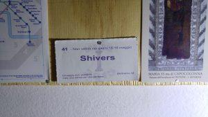 Un souvenir attaccato al muro