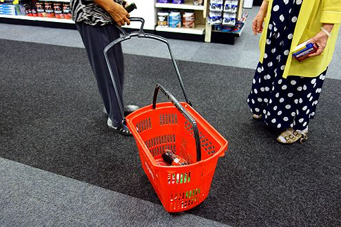 These nifty baskets can either be carried or rolled on the floor