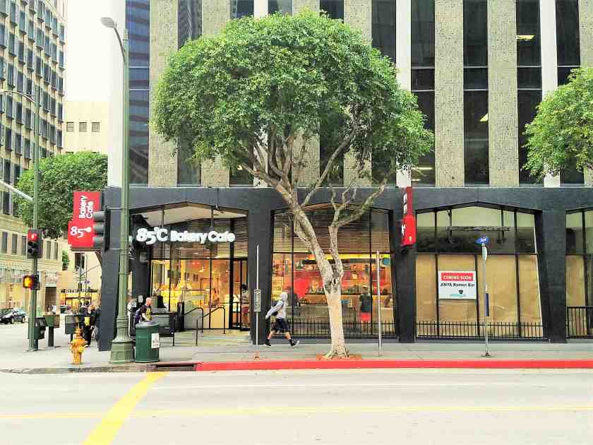 Jinya Ramen Bar, along with 85 Degrees bakery, will help enliven this corner at Wilshire and Hope with new life and energy