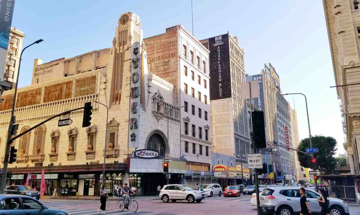 """OMG: Apple Store """"Done Deal"""" for Tower Theatre in Downtown LA"""