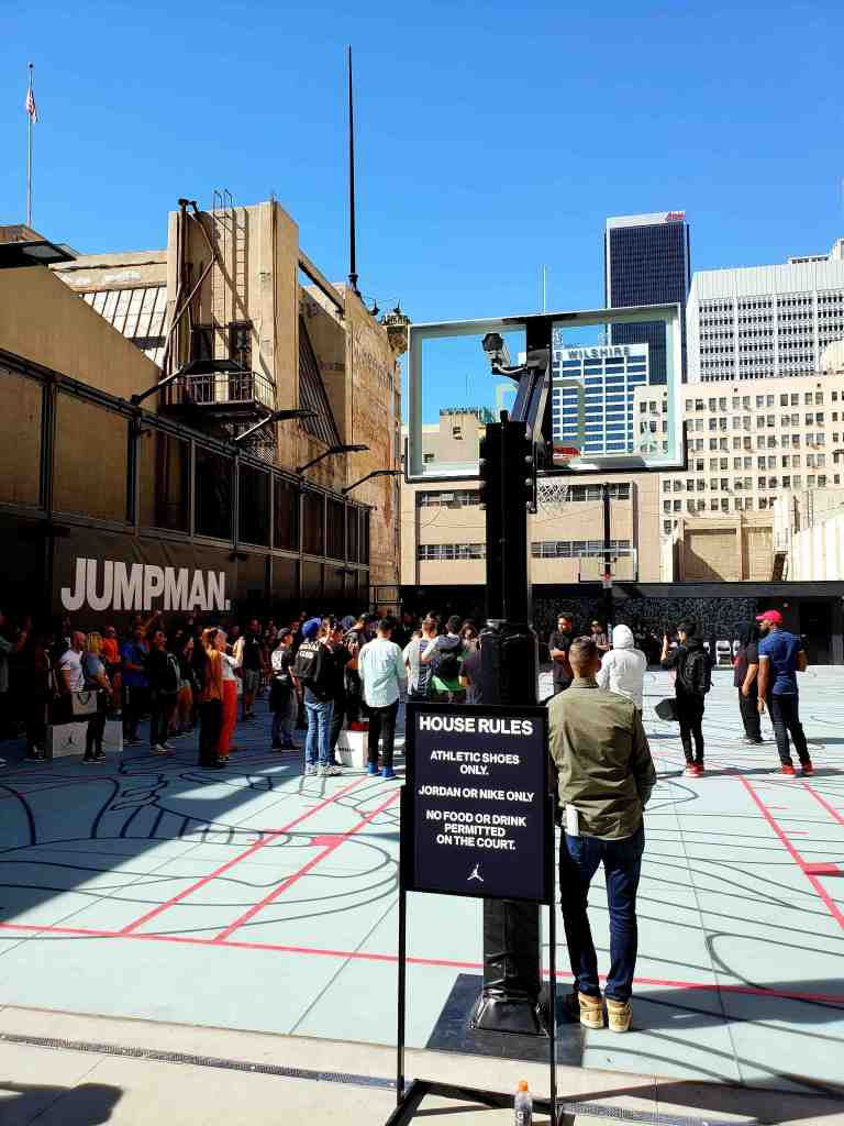 """30fe6d426e17 The new Jordan store includes an outdoor rooftop basketball court with  amazing DTLA views. """""""