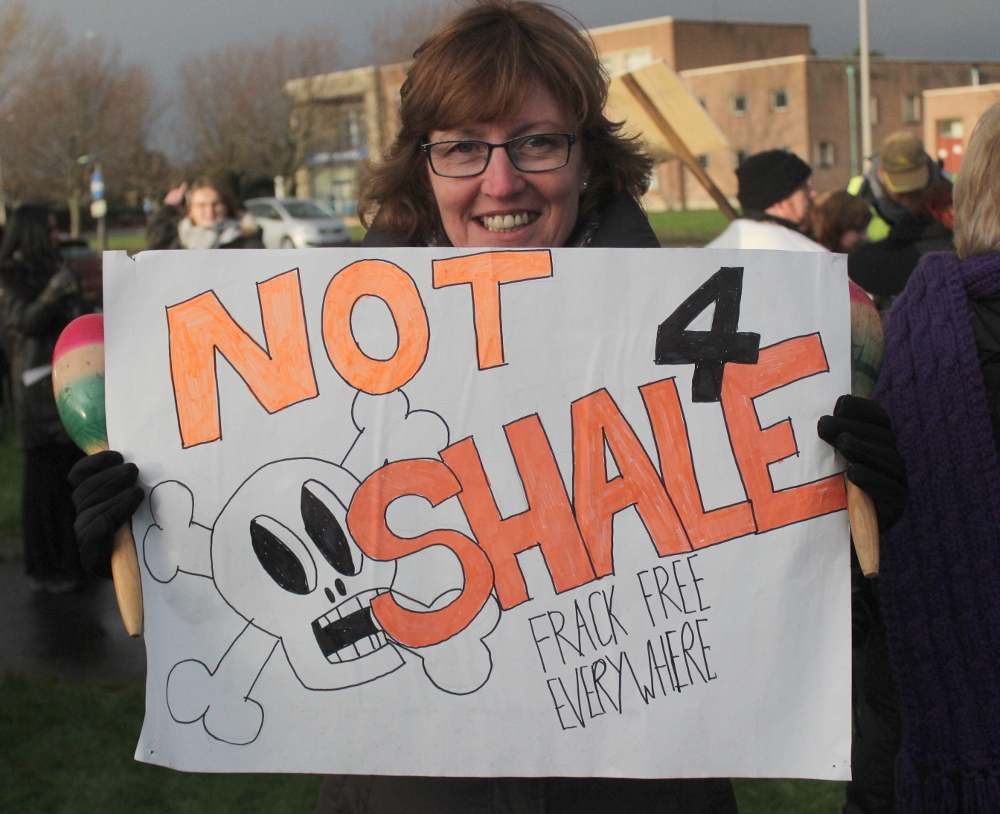 """""""Note 4 Shale"""" placard."""