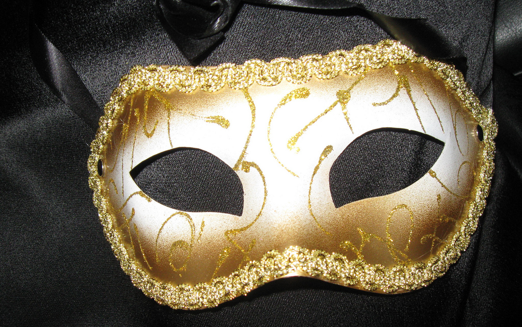A golden mask, by 'poropitia outside the box' on flickr