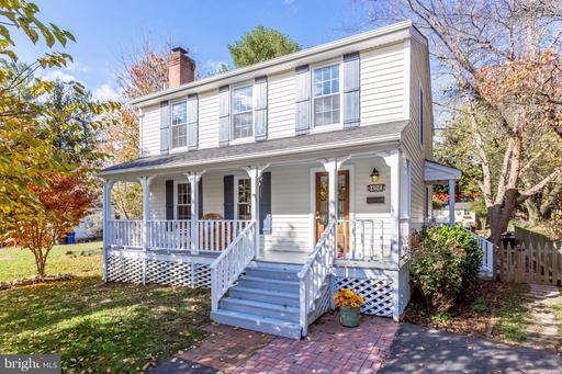 Property for sale at 406 Blue Ridge Ave Ne, Leesburg,  VA 20176