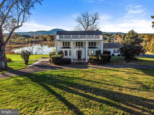 Property for sale at 9390 Crest Hill Rd, Marshall,  VA 20115