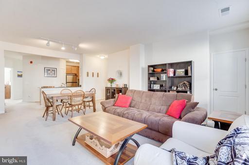 Property for sale at 24691 Lynette Springs Ter #302, Aldie,  VA 20105