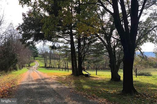 Property for sale at 39374 Irish Corner Rd, Lovettsville,  VA 20180