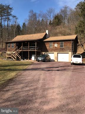 Property for sale at 26 Chain Cir, New Ringgold,  Pennsylvania 17960