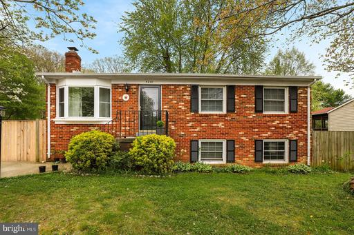 Property for sale at 5241 Midway Ct, Woodbridge,  Virginia 22193