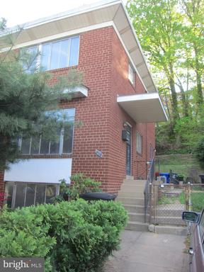 Property for sale at 816 S Dinwiddie St, Arlington,  Virginia 22204