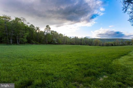 Property for sale at 36585 Sawmill Ln, Purcellville,  Virginia 20132