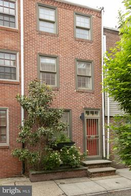 Property for sale at 402 S Quince St, Philadelphia,  Pennsylvania 19147