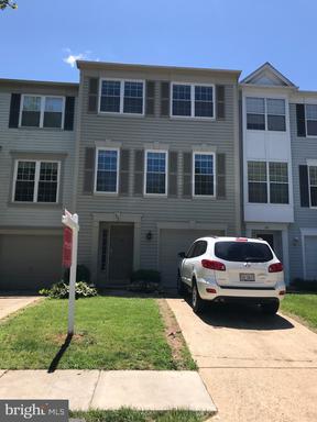 Property for sale at 303 Barnfield Sq Ne, Leesburg,  Virginia 20176