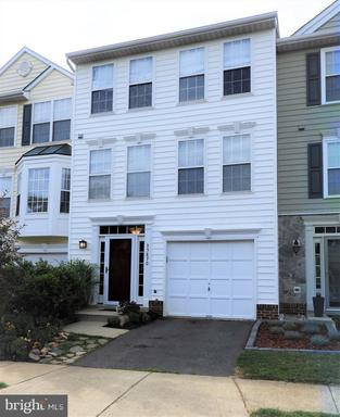 Property for sale at 35870 Devon Park Sq, Round Hill,  Virginia 20141