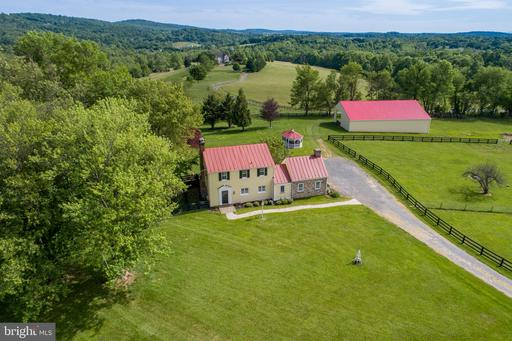 Property for sale at 12376 Cabin Spring Ln, Lovettsville,  Virginia 20180