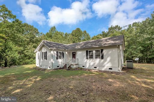 Property for sale at 814 Lakeside Dr, Louisa,  Virginia 23093