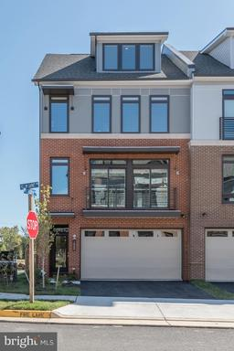 Property for sale at 1800 Yellow Garnet Ter Se, Leesburg,  Virginia 20175