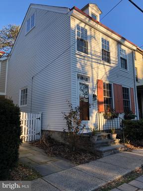 Property for sale at 39 W Gravers Ln, Philadelphia,  Pennsylvania 19118