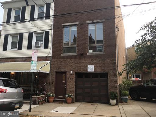 Property for sale at 922 S 6th St S, Philadelphia,  Pennsylvania 19147