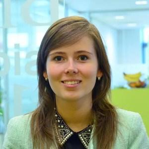 Nikola Ledwonova - Online Marketing intern / Stagiaire Online Marketing
