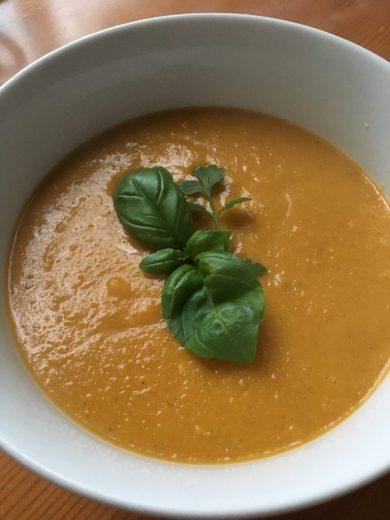 Easy, vegan pumpkin soup
