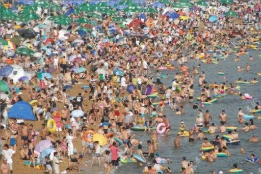 when_beach_gets_overcrowded_part_2_640_01