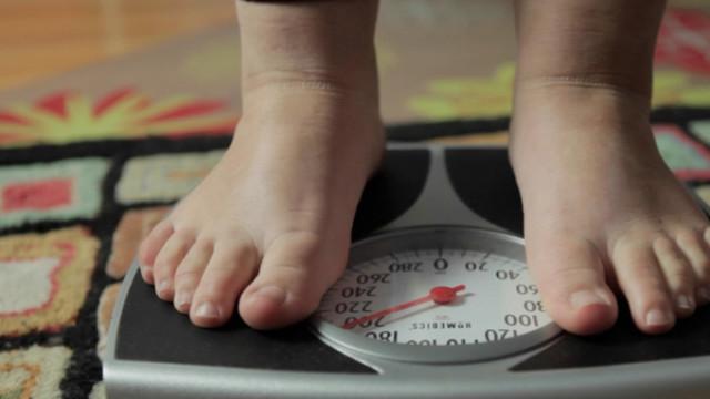 chubby-feet-in-FED-UP-e1397193368209