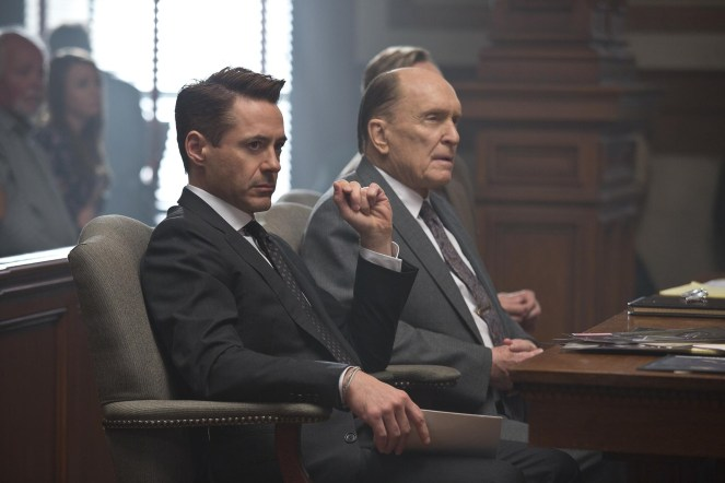 still-of-robert-downey-jr.-and-robert-duvall-in-the-judge-(2014)-large-picture
