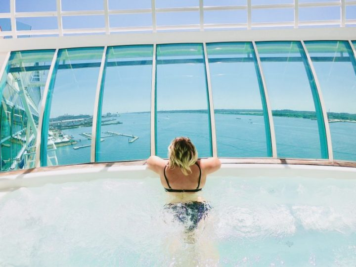 Hot tubs, hammocks and holiday vibes – a day onboard The Independence of the Seas