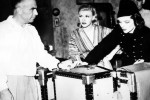 La Cava with Ginger Rogers and Katharine Hepburn on the set of Stage Door