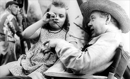 Sally Jane Bruce, with Charles Laughton
