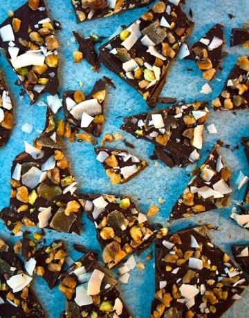Ginger and Pistachio Dark Chocolate Bark|brightrootskitchen.com